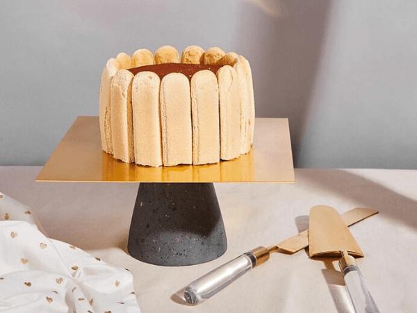 festive-feast-cake-stand